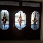 barokk stílusban készült ólomüveg ajtóbetét modern motívummal díszítve