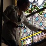 Ablaktábla restaurálás közben