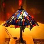 absztrakt mintázatú Tiffany lámpa